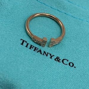Tiffany T wire ring